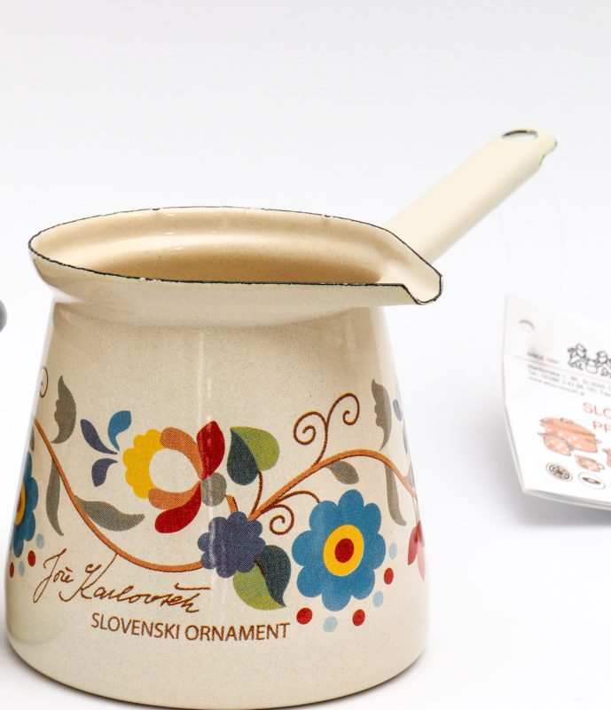 Džezva za kuhanje kave kolekcija Slovenski ornament Jože Karlovšek