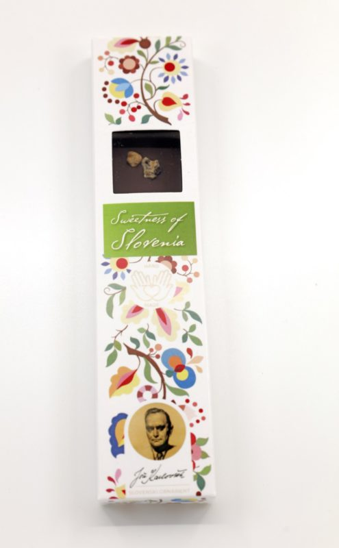 Slovenska čokolada z okusom orehove potice